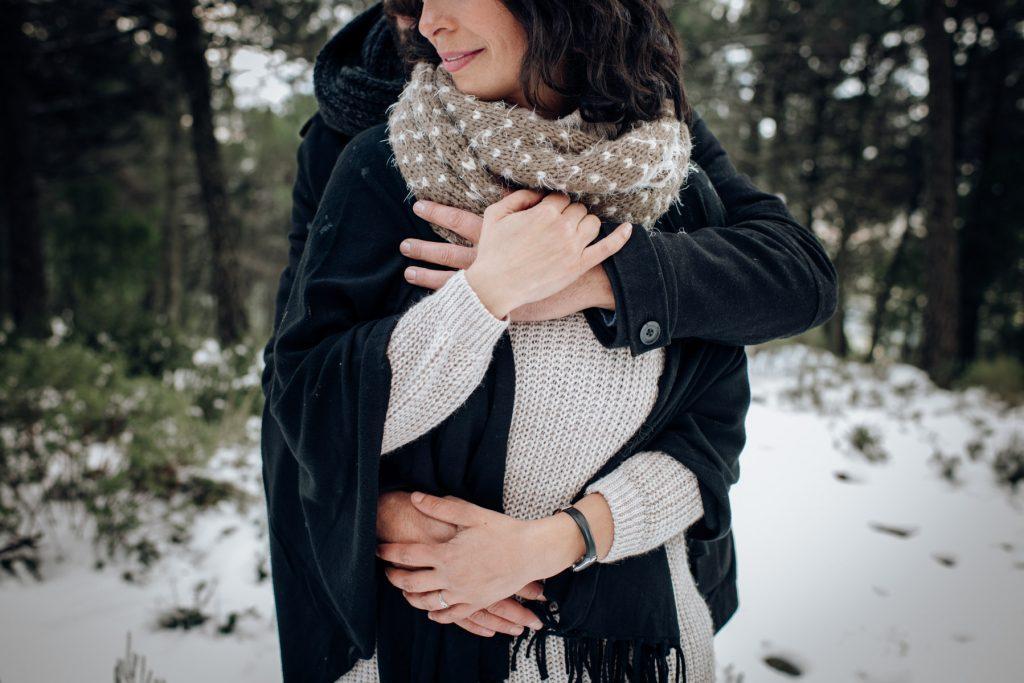 abrazados en Sierra Bermeja por Vanesa Díaz